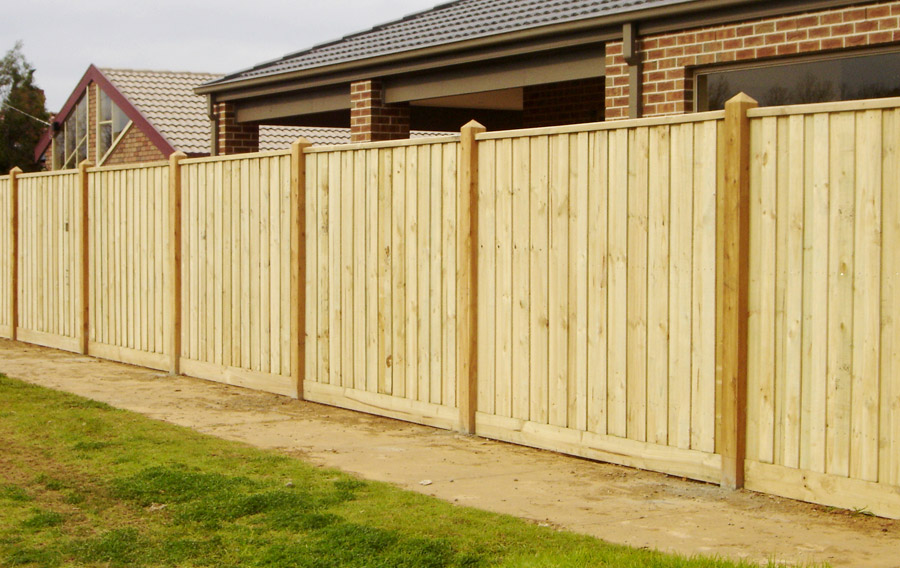 Melbourne Fencing Timber Paling Exposed Posts